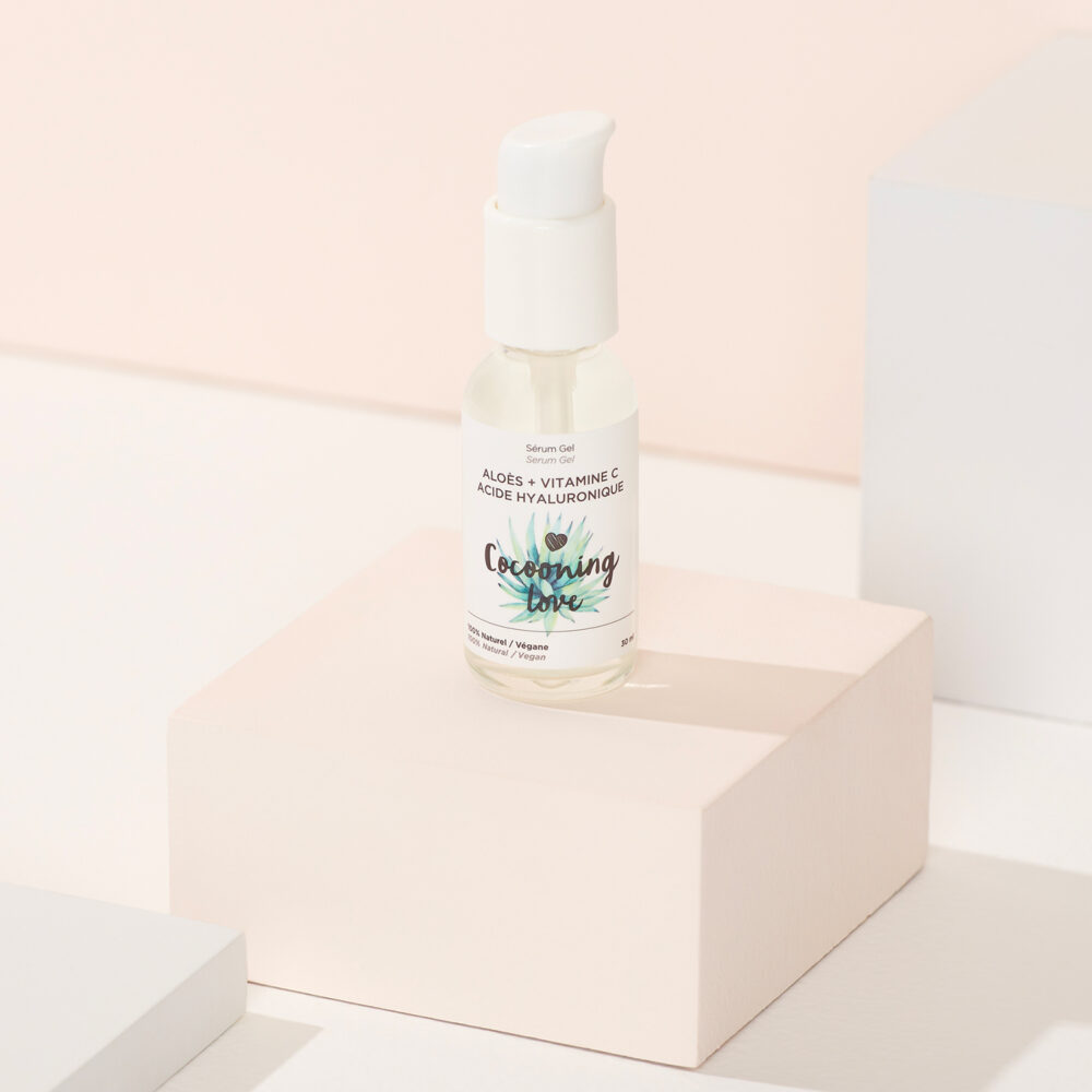 Serum-Gel-Aloes-Vitamine-C-Acide-Hyaluronique-bx-studio-product-beauty-montreal